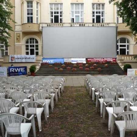 Letní kino v Karlíně