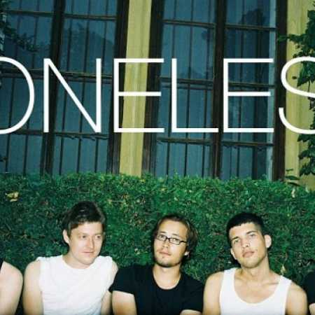 Toneless