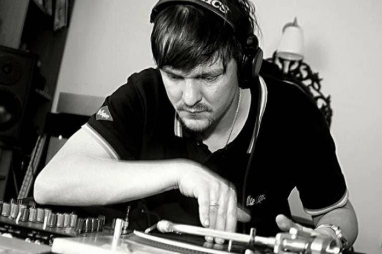 Deepers: DJs Raq Edison + Rita + Pereez
