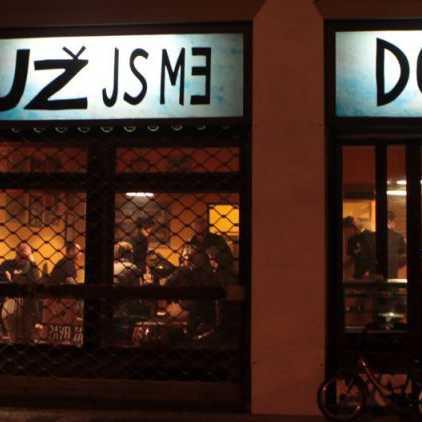 Už jsme doma – cafe bar & drum gallery