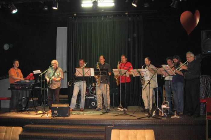 Atomic Blues Band