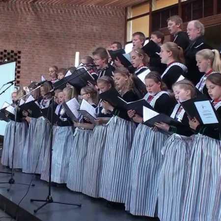 De Zangertjes van Volendam