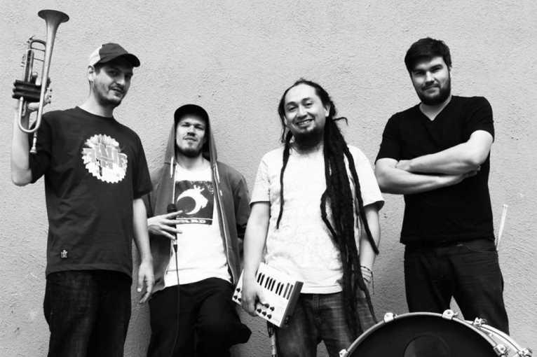 Illbilly Hitec + MC Longfingah + MC Lengualerta + další