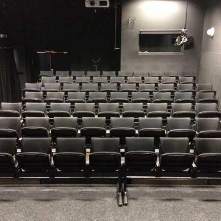 Divadlo Dialog