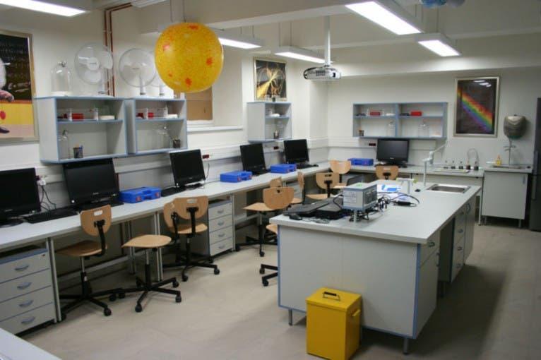Fyzikální laboratoř