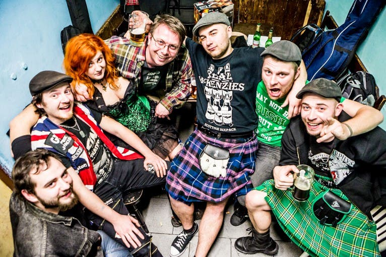 The O'Reillys and the Paddyhats + support: Pirates of the Pubs