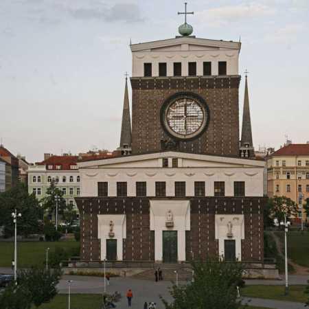 Náměstí Jiřího z Poděbrad
