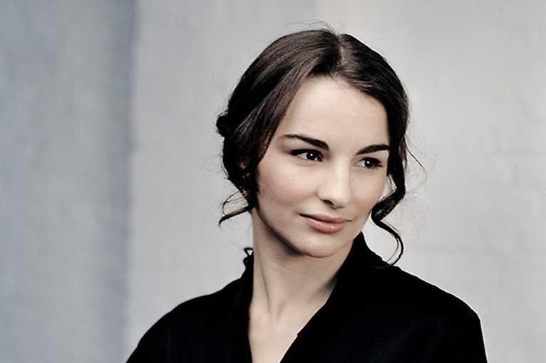 Alina Pogostkina plays Mendelssohn