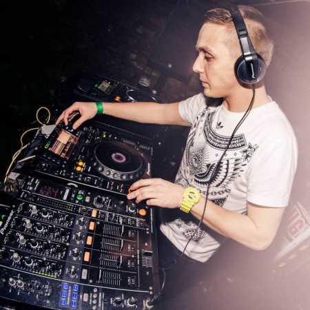 DJ Mouzl