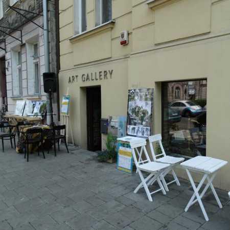 2 Worlds Gallery