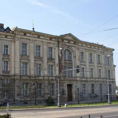 Dawny Budynek Instytutu Farmacji Akademii Medycznej