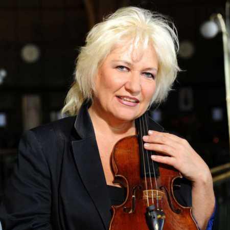 Dana Vlachová