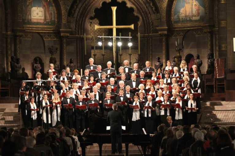 W. A. Mozart – Dialog mezi Requiem a Kouzelnou flétnou: Singakademie Niedersachsen & Symfonický orchestr Bohemia Praha