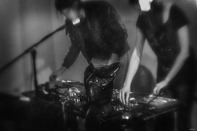 Vinyla Live: Sister Body + Lo/ve + Rouilleux