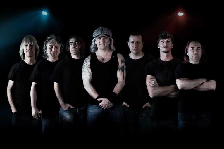 Špejbls Helprs Tribute to AC/DC