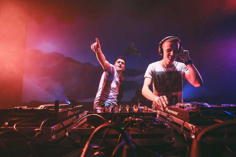 Radioactive Party: Lahvisz & Cerevatov + Benitto + další
