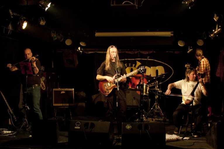 J. H. Krchovský & Krch-off Band (křest alba) + host: Trefen mezipsem