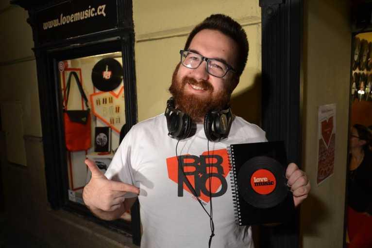 Pop Rock Funk Therapy: DJ Lais