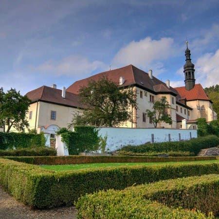 Františkánský klášter Čtrnácti sv. pomocníků