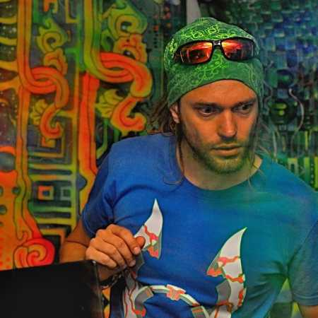 DJ Wolfzov