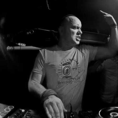 DJ ARRA
