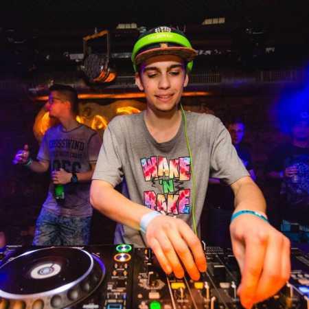 DJ M.n.D