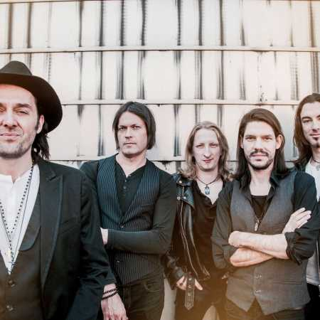 Peter Kovary & The Royal Rebels