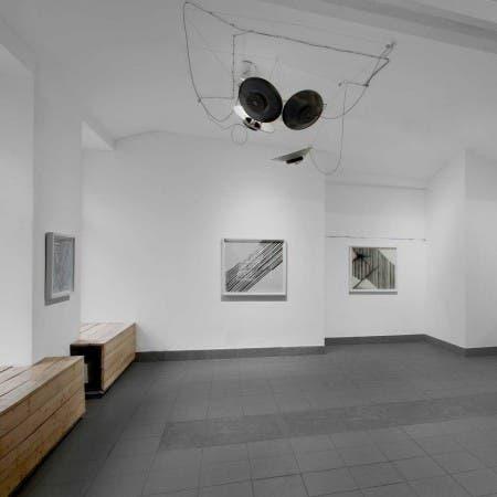 Jedna Dva Tři Gallery