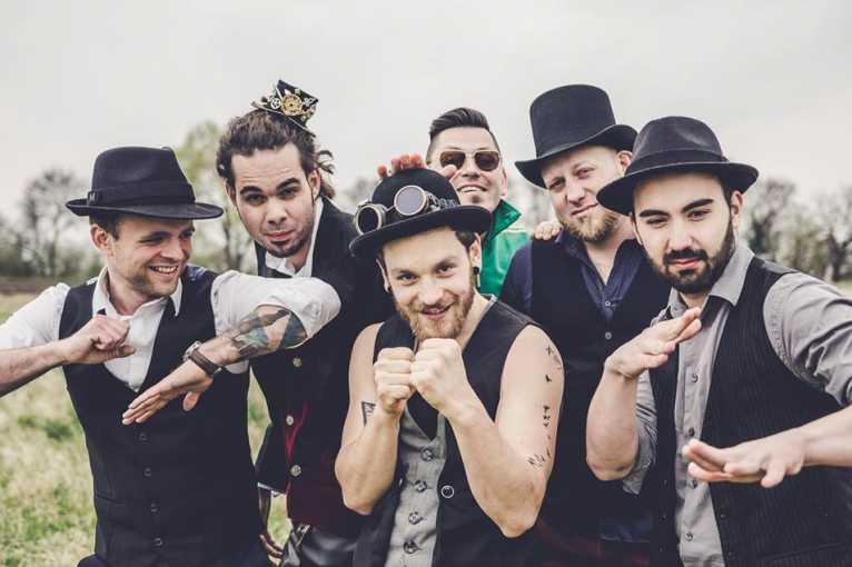 Kultura do domu: Circus Brothers
