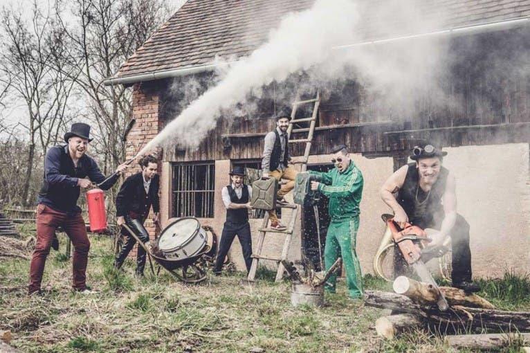 Fuchs2 Party #Chill: Circus Brothers + Minikapela + další