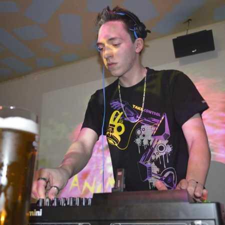 DJ SlimaQ