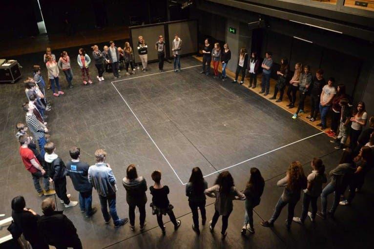 Interaktivní dílna pro školy: Jak vzniká dokumentární divadlo?