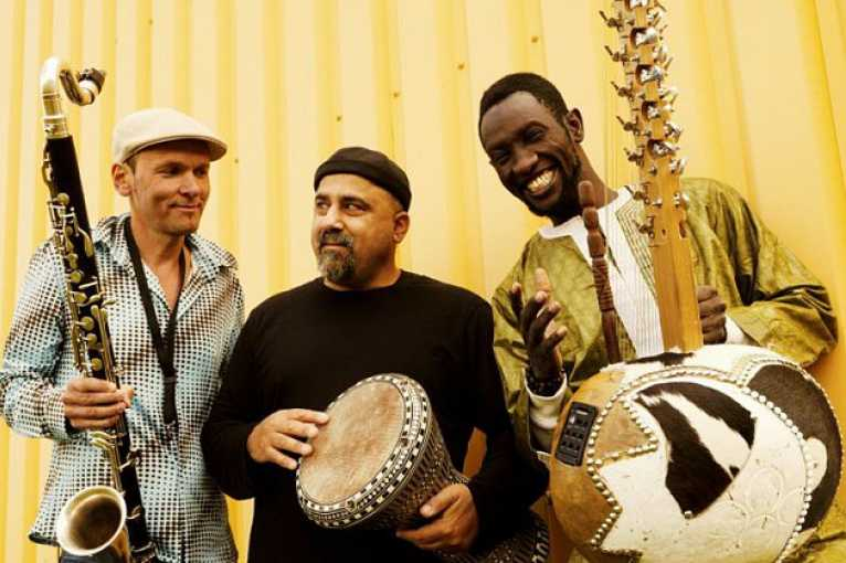 Jazz čtyř kontinentů: Moussa Cissokho & Jan Galega Brönimann & Omri Hason