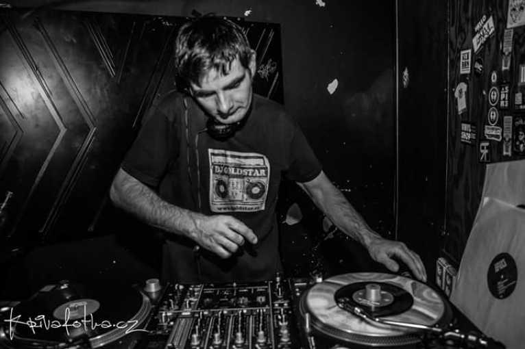 Strictly Grooves: DJ Goldstar