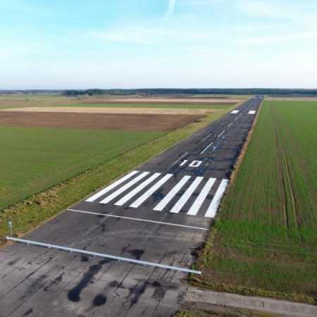 Wilcze Laski Airport