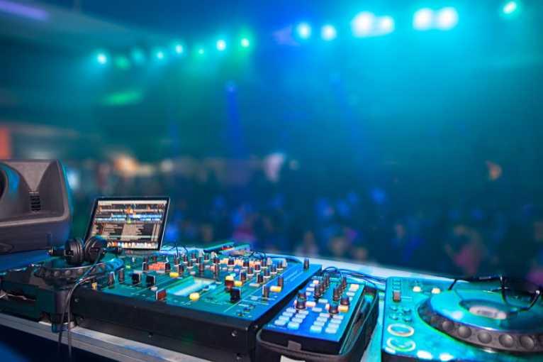 Retro Metro: DJ Jay2X