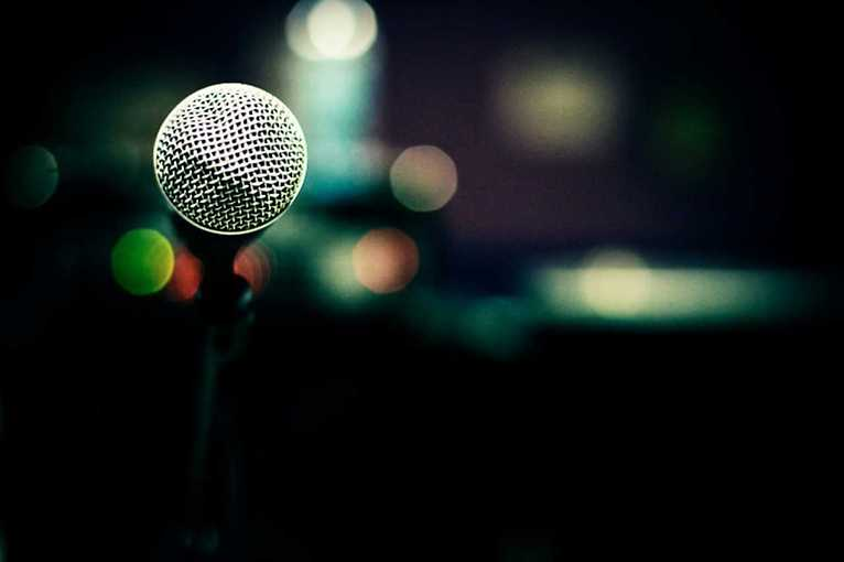 World-Wide Comedy Open Mic Night: Stand-up comedy in English