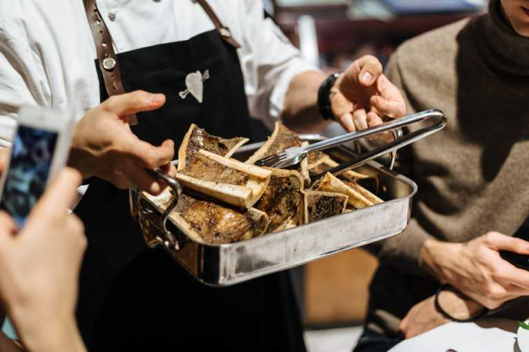 Naše maso: Večeře od řezníka