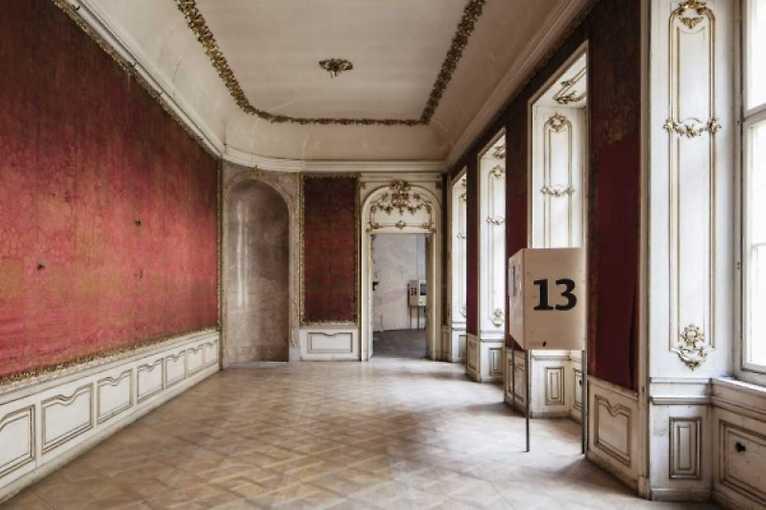 Proměny výzdoby Colloredo-Mansfeldského paláce I. a II.