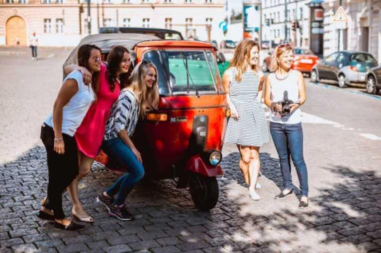 5 holek v tuktuku skrz Jižní Ameriku