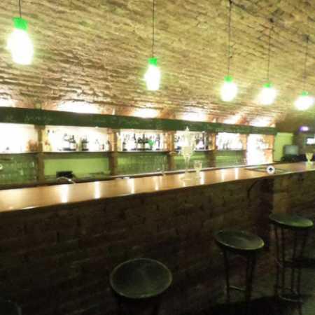 Bar Naproti