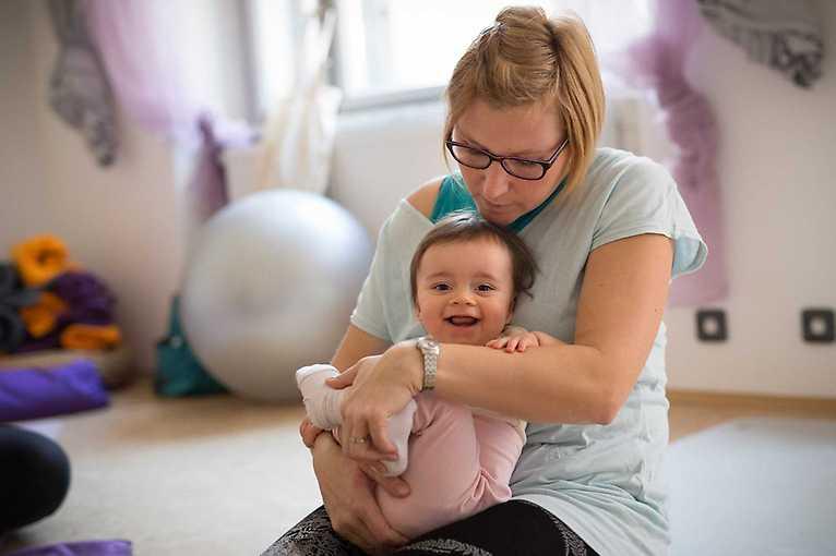 Babyoga pro chodící dítka (1,5–3 roky)