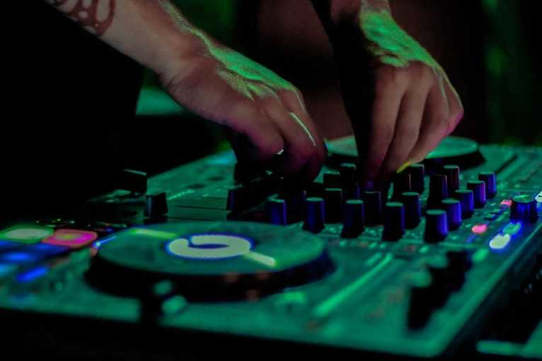 Mondays Like Fridays!: DJs Marlon + Rahul