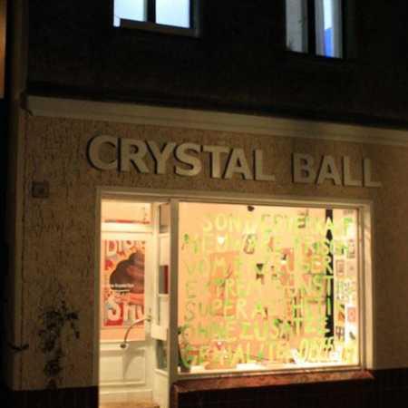 Galerie Crystal Ball
