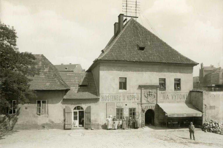 Zaniklé Podskalí a život na Vltavě