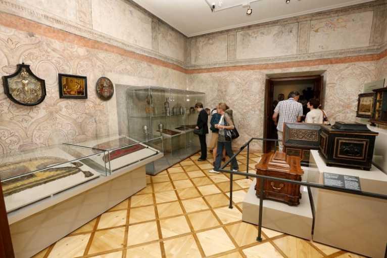 Řemesla v pořádku: Historie profesního sdružování řemeslníků od středověku po současnost