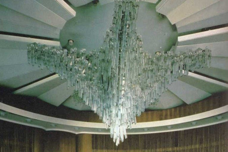 Porcelán a sklo – hotel Praha