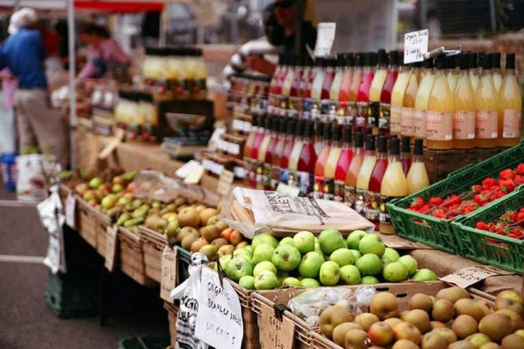 Farmářské trhy u OC Futurum