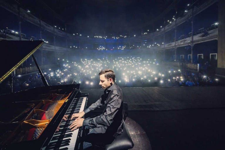 The Awesome Piano Tour: Peter Bence