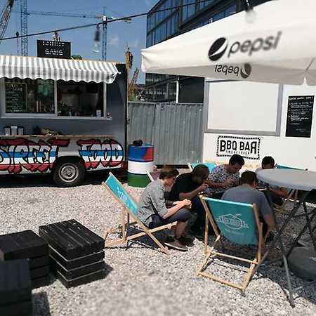 DobraDobra Food Truck Square